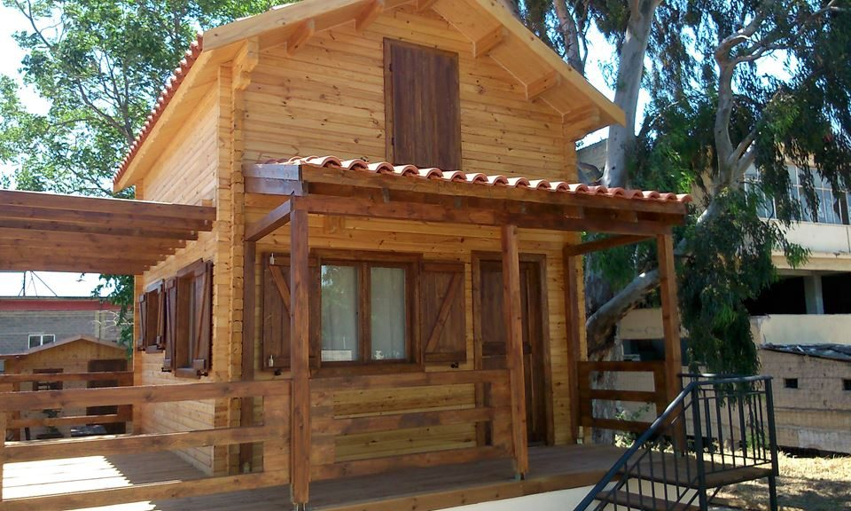 324118ed14de Προσφορά ξύλινης κατοικίας με σοφίτα ΟΛΥΜΠΟΣ 40 τ.μ + στεγασμένοι χώροι 6  τ.μ. (ισόγειο 20 τ.μ + σοφίτα 20 τ.μ) Τιμή Κατοικίας  26.000 €